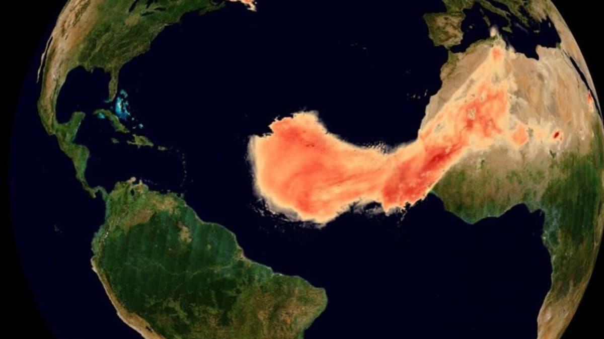 NASA görüntüledi... Devasa toz bulutu 8 bin km yol kat etti