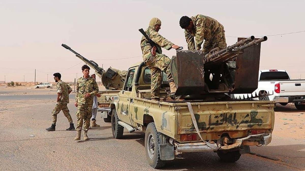 Libya Ordusundan Sirte'nin batısına askeri sevkiyat