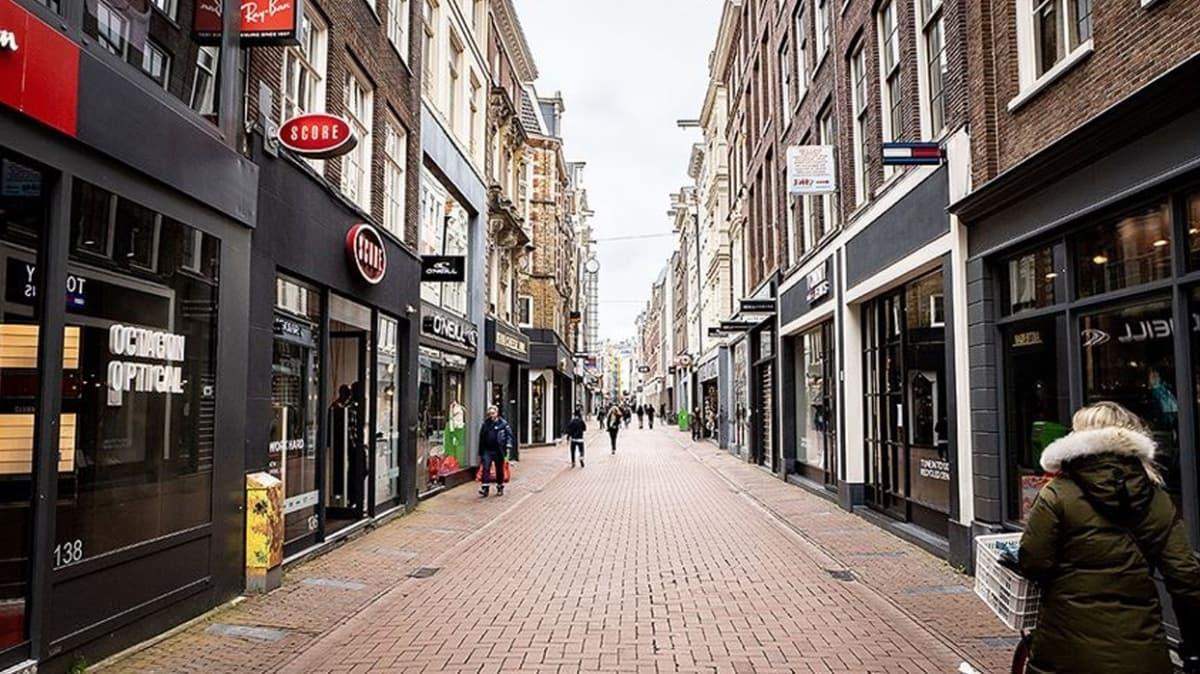 Hollanda'da koronavirüs vakaları bir haftada yüzde 84 oranında arttı!