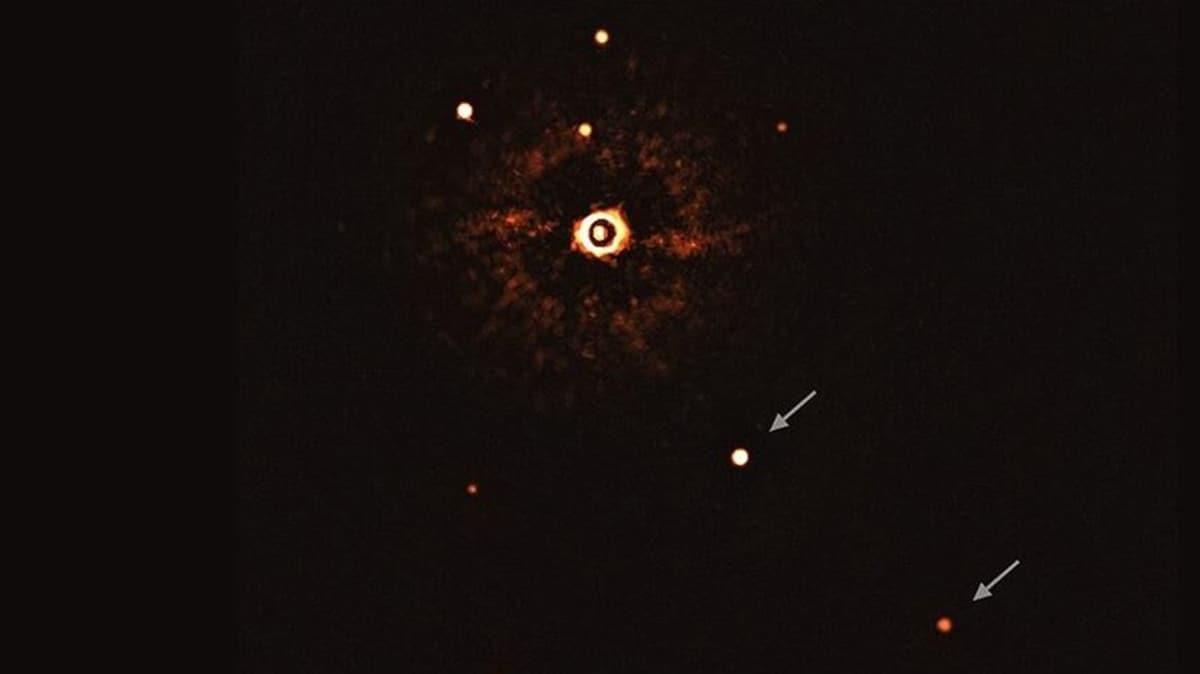 Başka bir güneş sistemine ait yıldız ve gezegenler ilk kez teleskopla görüntülendi