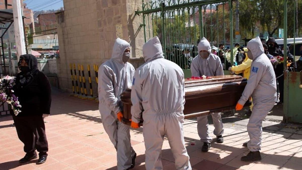 Bolivya'da Kovid-19'dan öldüğü sanılan 420 kişinin cesetleri sokaktan toplandı