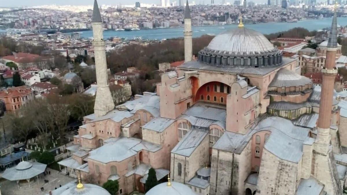 Bakan Karaismailoğlu duyurdu: Ayasofya Camisi'nin ilk cuma namazı ölümsüzleştirilecek