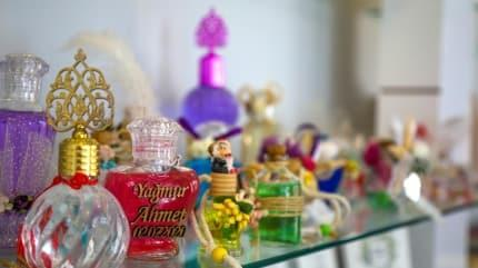 Düğünlerin yeni trendi: Hijyenik davetiye ve kolonyadan nikah şekeri