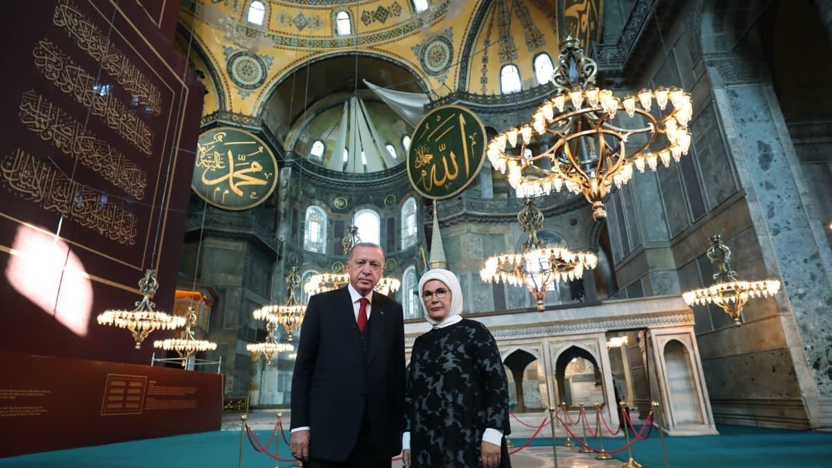 Emine Erdoğan'dan Ayasofya-i Kebir Cami-i Şerifi paylaşımı