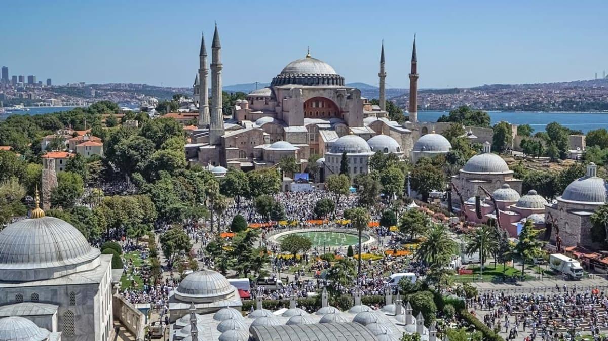 Cezayir'de Ayasofya Camii sevinci: İslam için gurur kaynağıdır