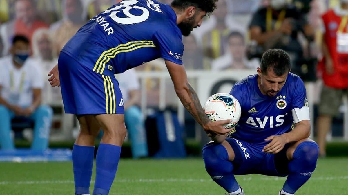Emre'nin veda ettiği maçta, Fenerbahçe finali 3 puanla yaptı
