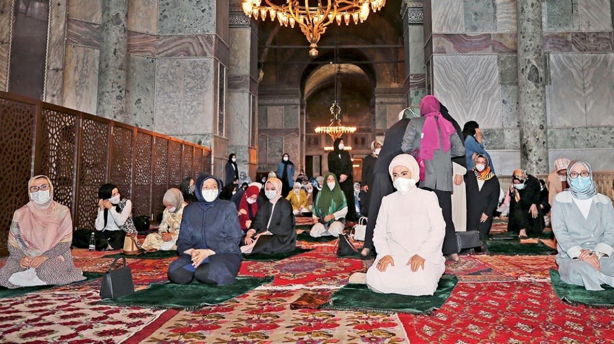 Anadolu kadınlarının 'ölümlük halıları'nda secde