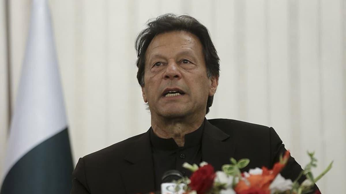 """Kardeş ülkeden destek! Pakistan Başbakanından """"Ayasofya"""" tebriği"""