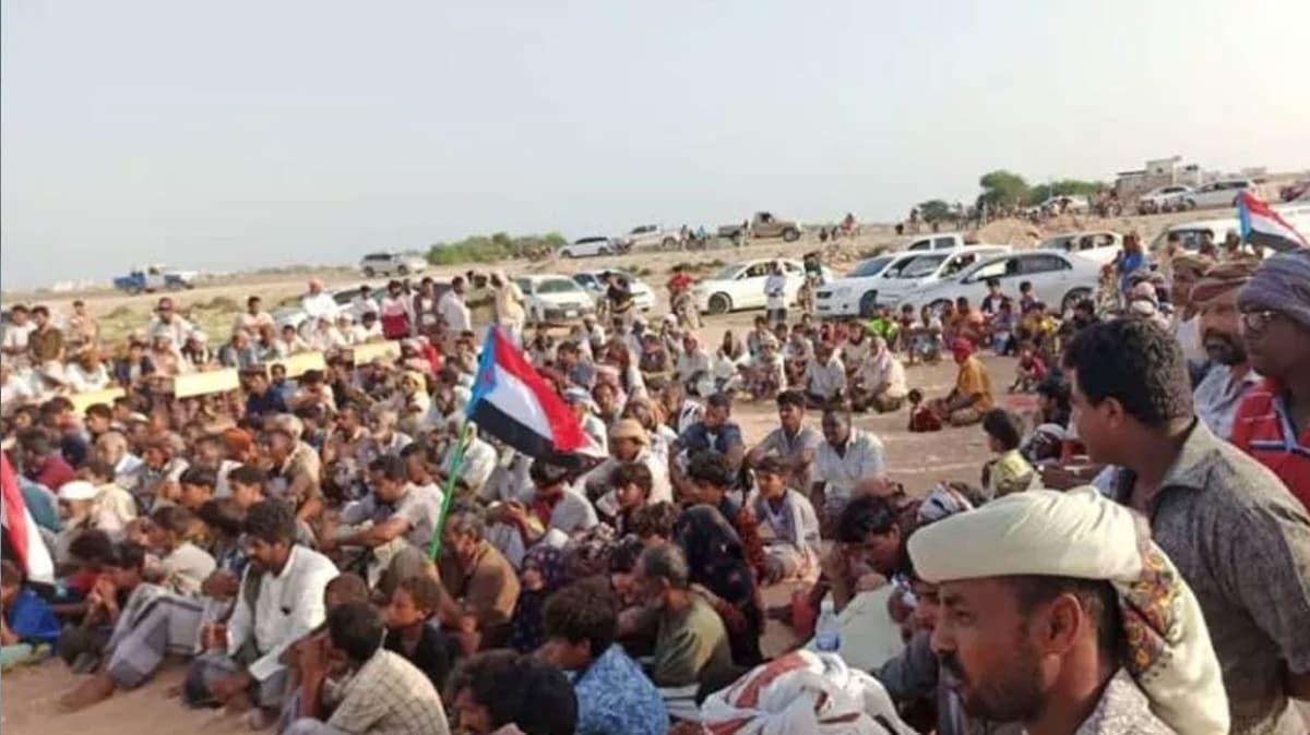 Yemen'de BAE destekli Güney Geçiş Konseyi yandaşları Mehra'da özerklik talep etti