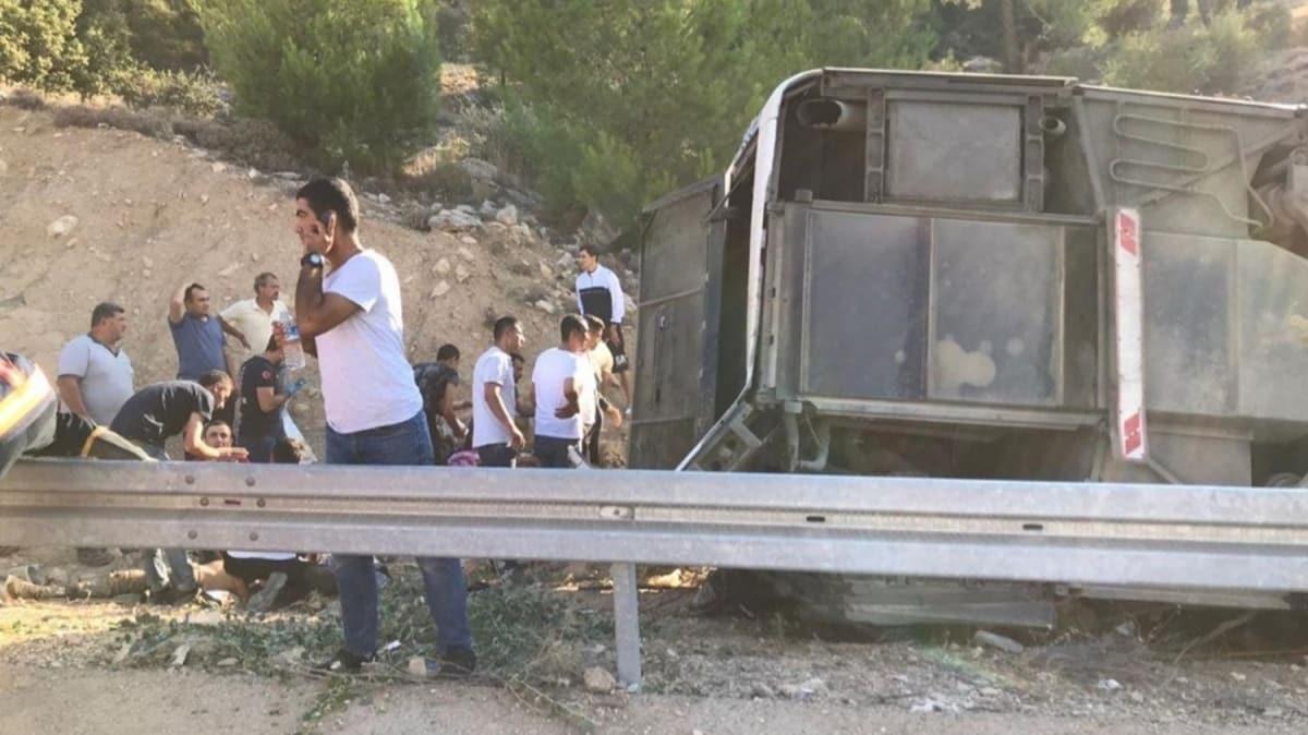 Mersin'in Mut ilçesinde Kıbrıs'a gidecek askerleri taşıyan otobüs devrildi: 4 askerimiz şehit oldu