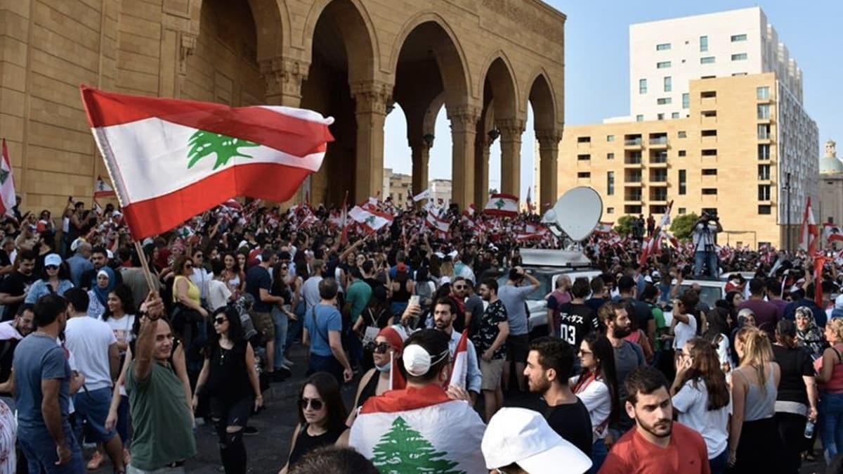 Milyonlarca dolar kredi, hibe ve vaatler... Lübnan ekonomik krizden çıkamadı