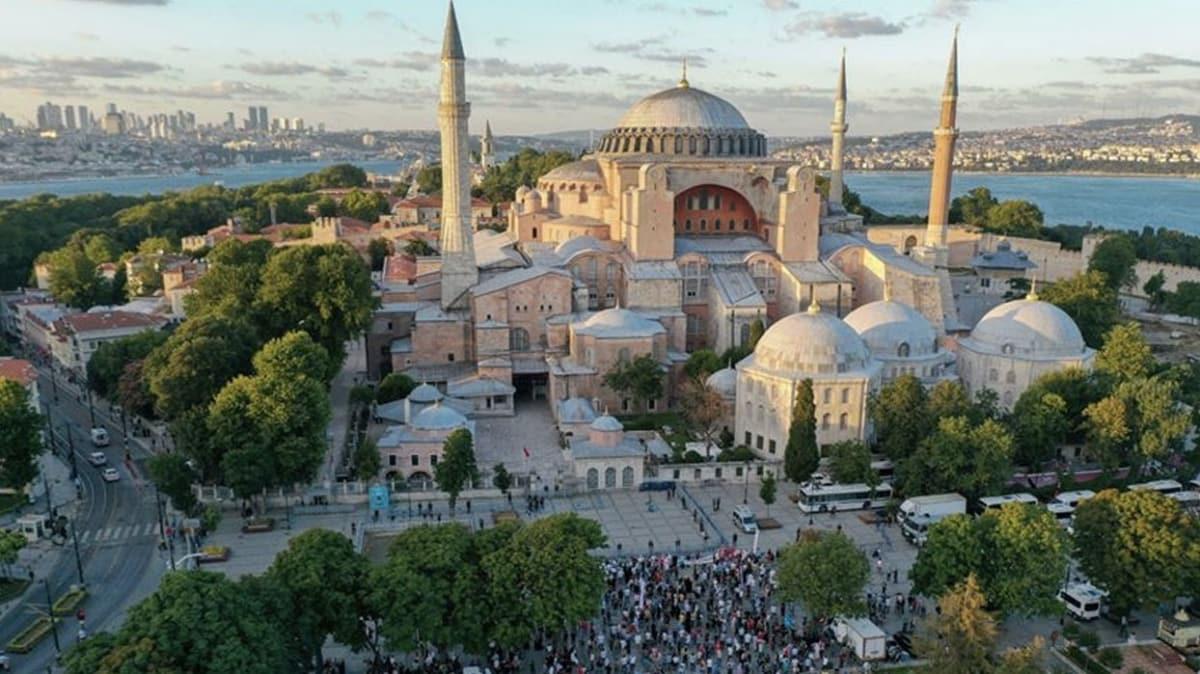 Yunan Papaz'dan Yunan makamlarını kızdıracak sözler: Türkler olmasaydı, Ayasofya çoktan düşerdi