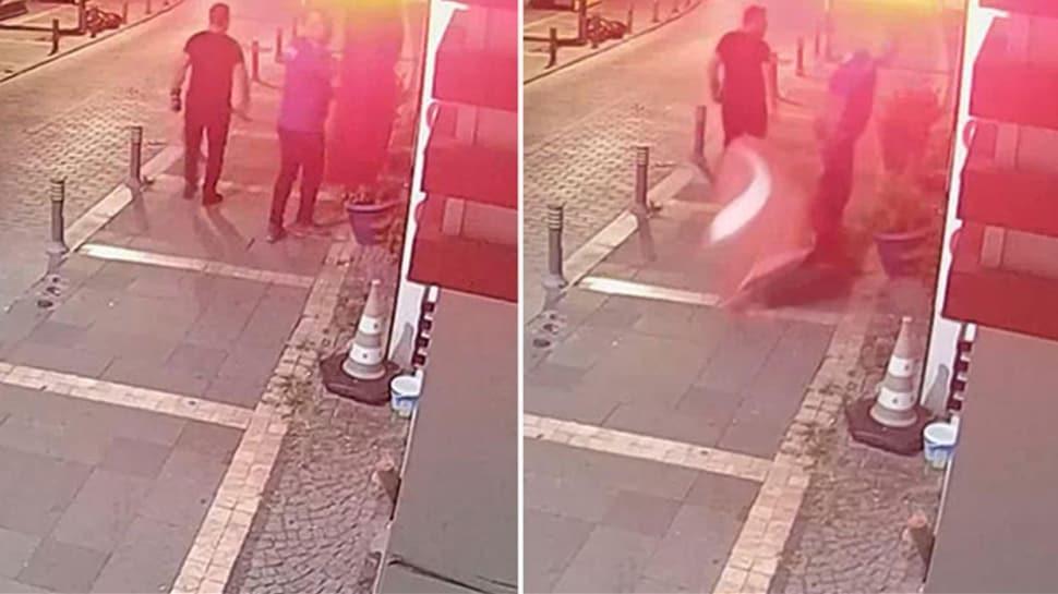 İstanbul'da Türk bayrağına saldıran kişi tutuklandı
