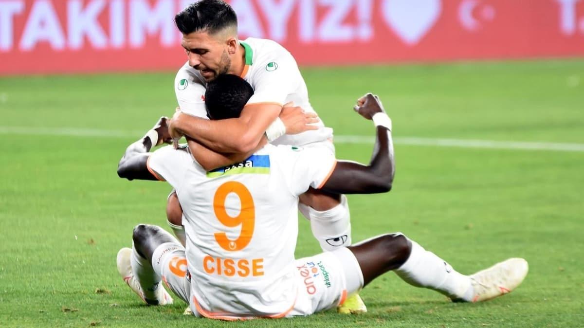 Beşiktaş kupa finali sonrası Nsakala ve Cisse'yi açıklayacak