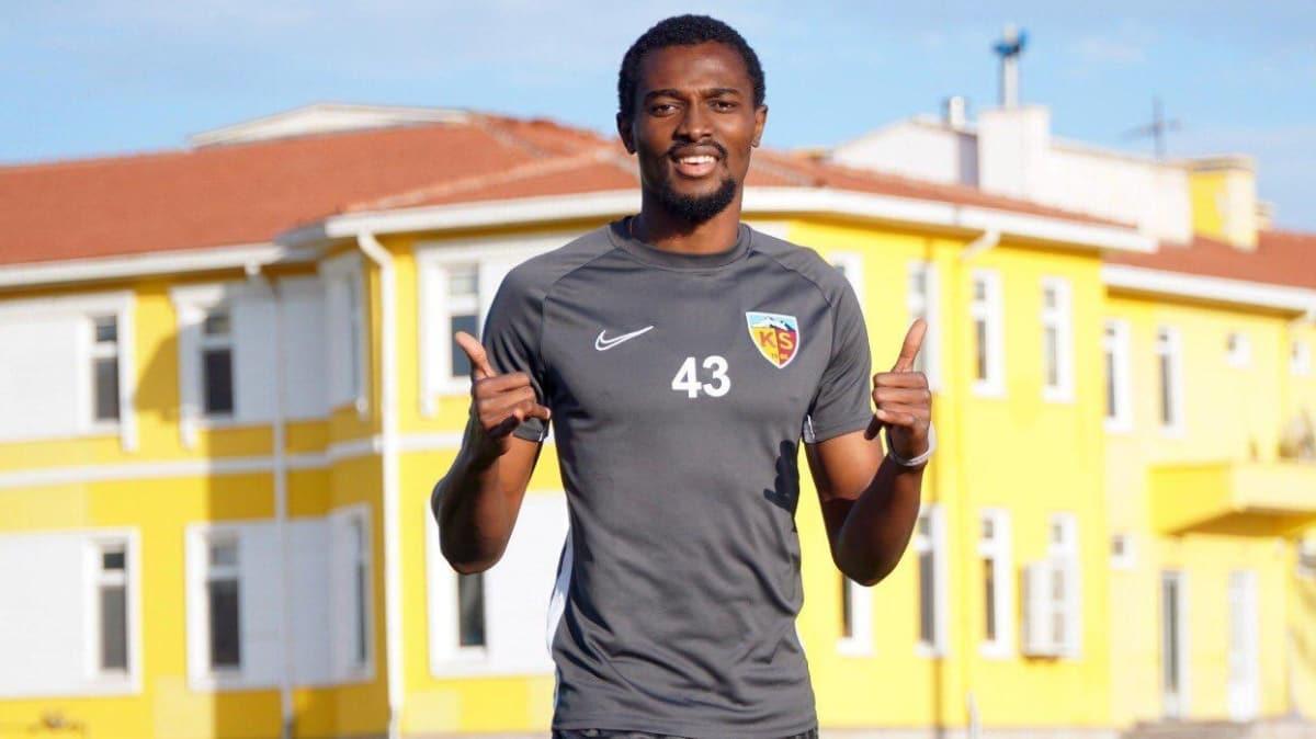 Galatasaray, Bernard Mensah'ın transferi için Belhanda'yı satıyor