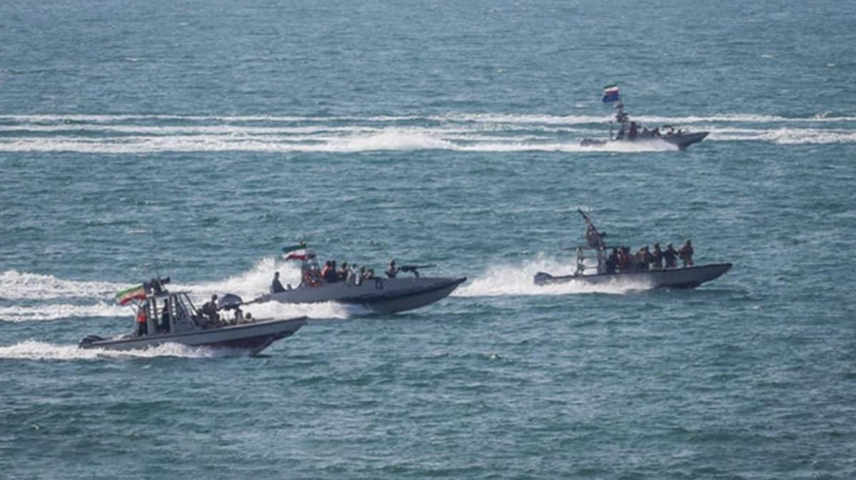 İran'dan beklenmedik hamle: Basra Körfezi'nde askeri tatbikat başlattı