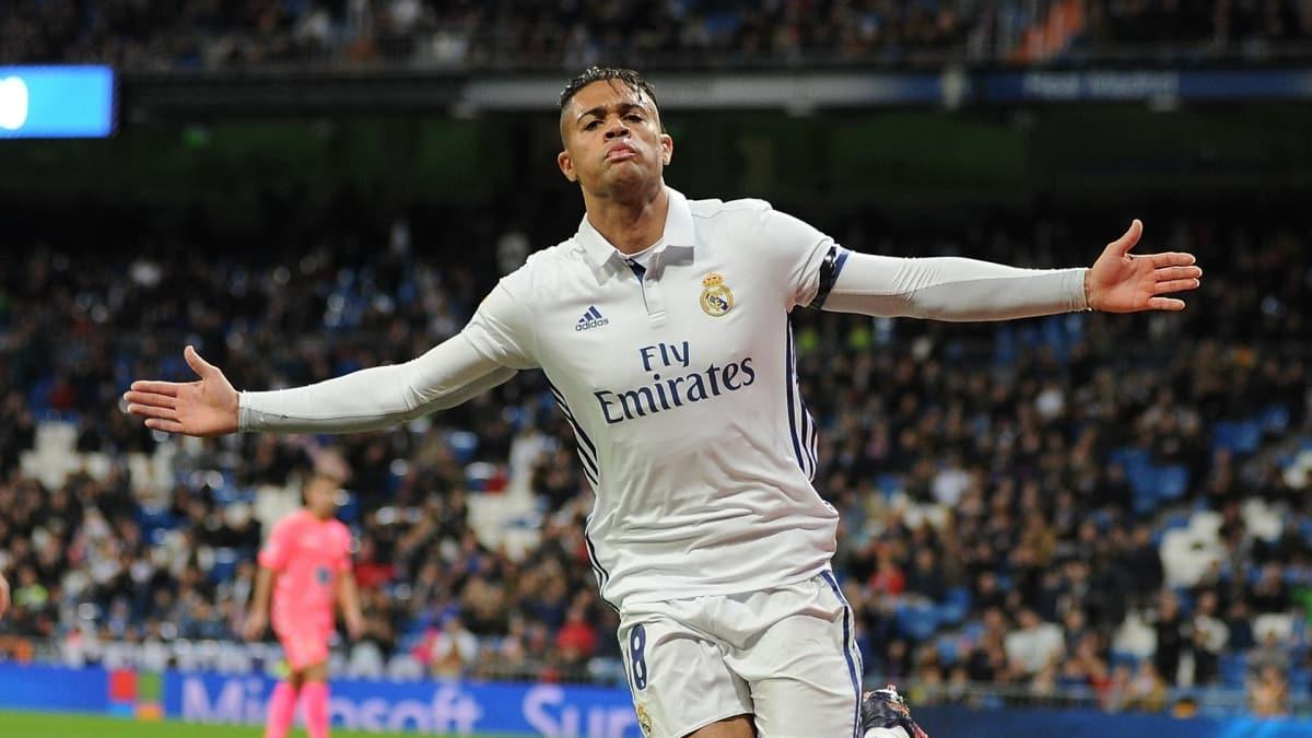 Real Madrid açıkladı! Mariano Diaz'ın koronavirüs testi pozitif