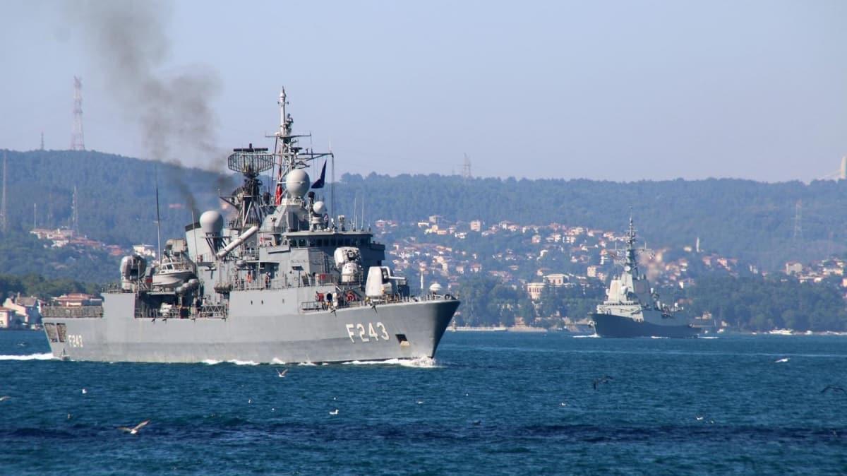 NATO tatbikatinden dönen savaş gemileri peş peşe Boğaz'dan geçti