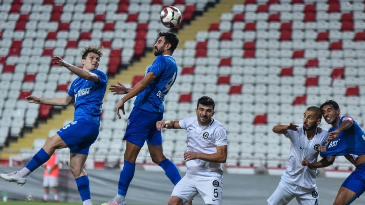 TFF 1. Lig'e çıkan Tuzlaspor, şampiyonluk kupasını aldı