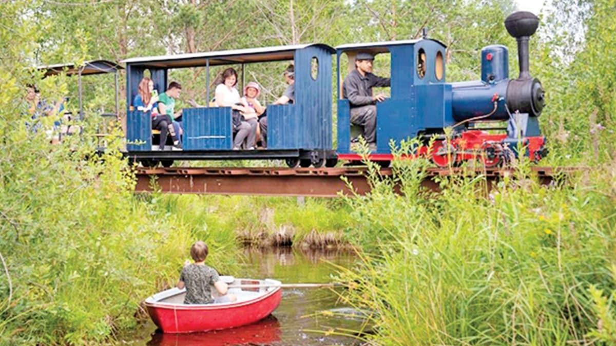 Rus mühendis buharlı mini tren yaptı