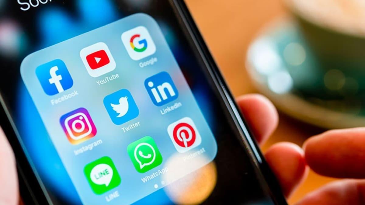 AK Parti'den sosyal medya düzenlemesi açıklaması! 'Kapatmak ya da yasak getirmek amacı içermiyor'