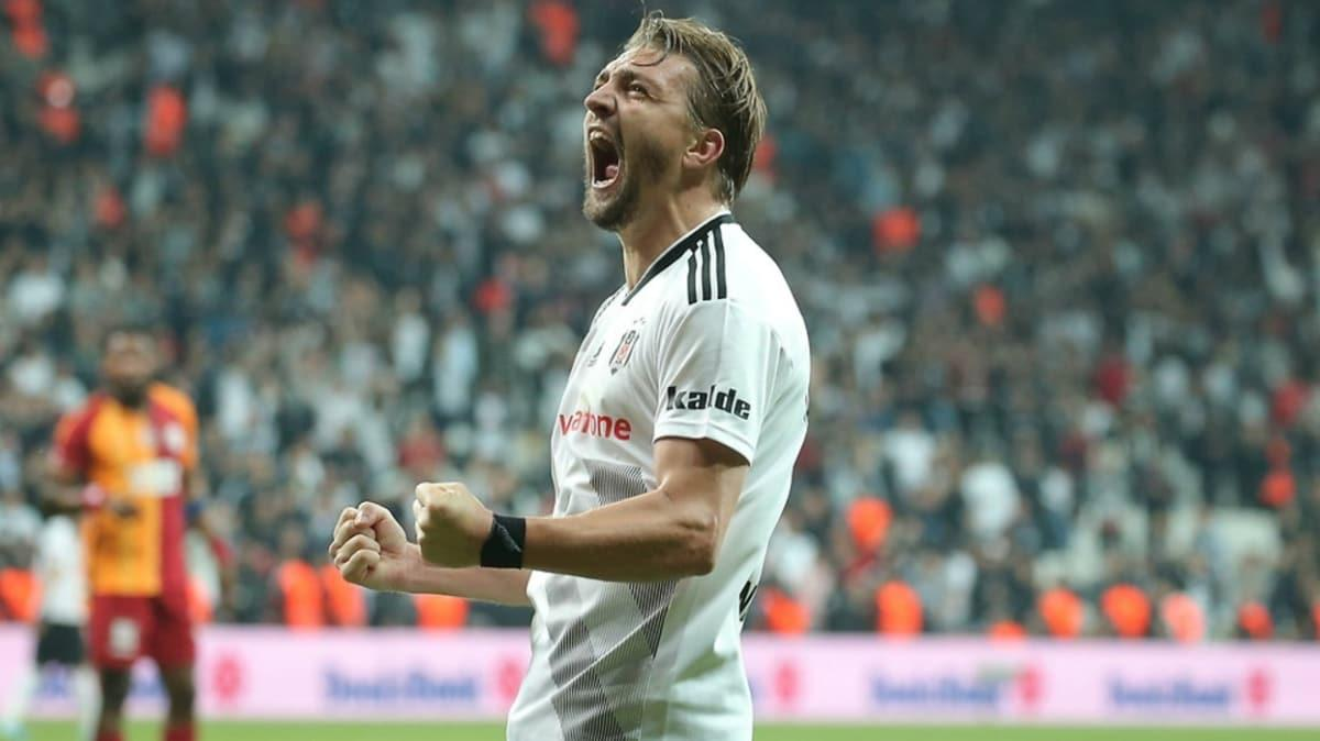 Caner Erkin, Galatasaray ile 2+1 yıllık prensip anlaşmasına vardı