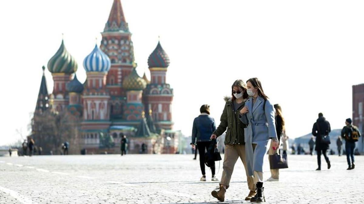 Rusya'da toplam koronavirüs vaka sayısı 834 bini geçti