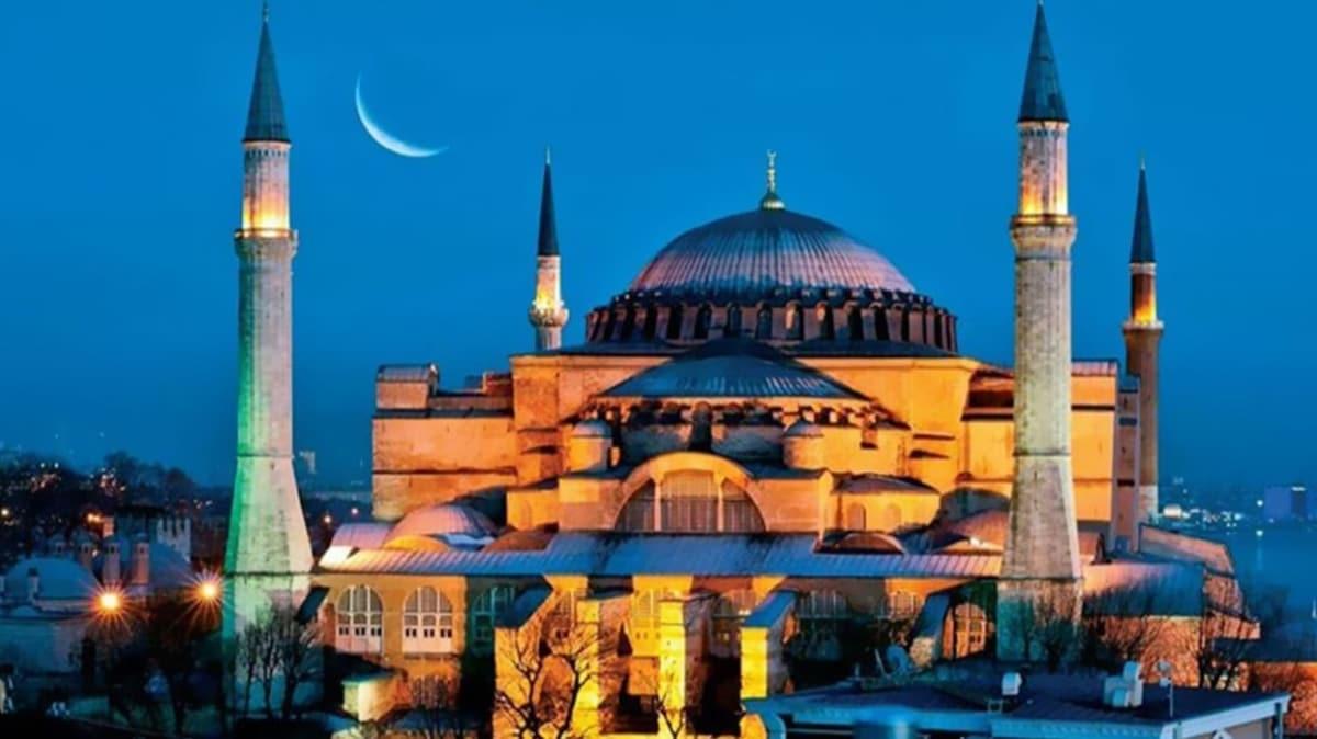 """İstanbul bayram namazı saat kaçta kılınacak"""" Ayasofya Camii'nde 86 yıl sonra ilk bayram namazı kılınacak!"""