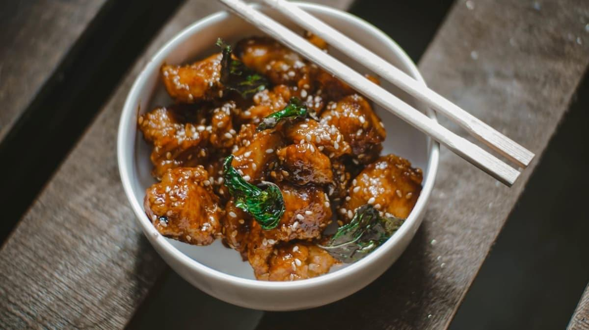 Bugünün menüsü Çin mutfağından ballı susamlı tavuk! MasterChef ballı susamlı tavuk tarifi
