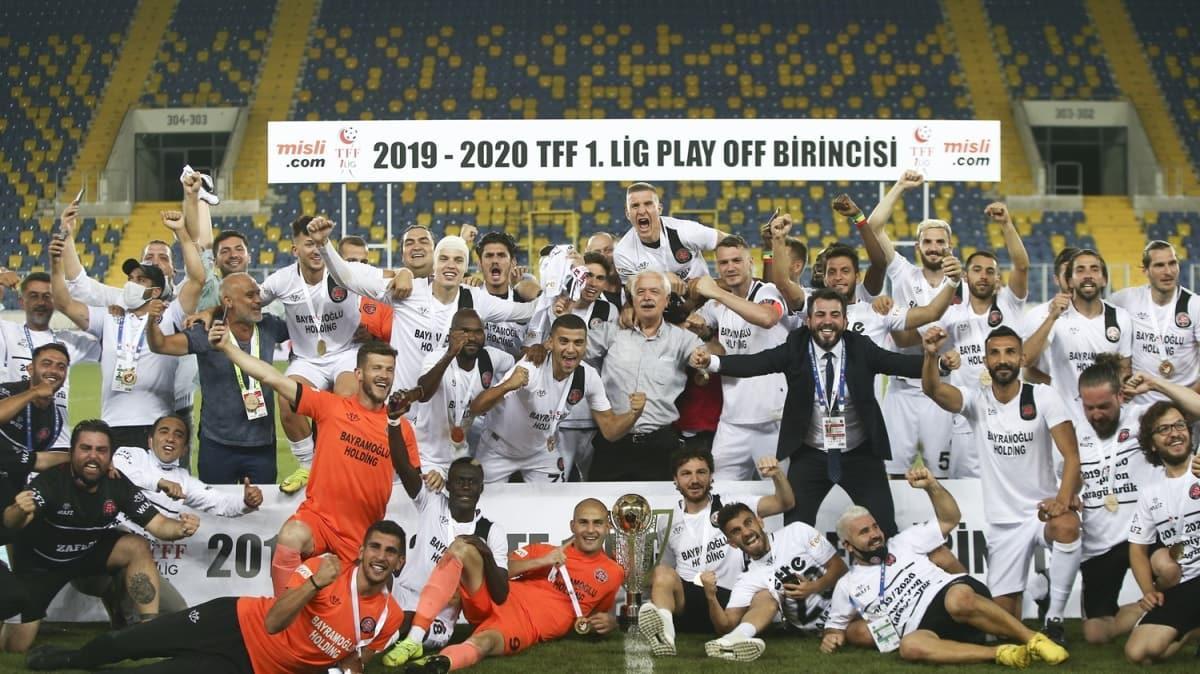 Fatih Karagümrük tarih yazdı! 36 yıl sonra Süper Lig'e yükseldiler