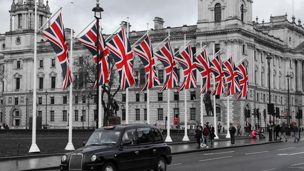 İngiltere Başbakanı Johnson açıkladı... Normalleşme adımları askıya alındı