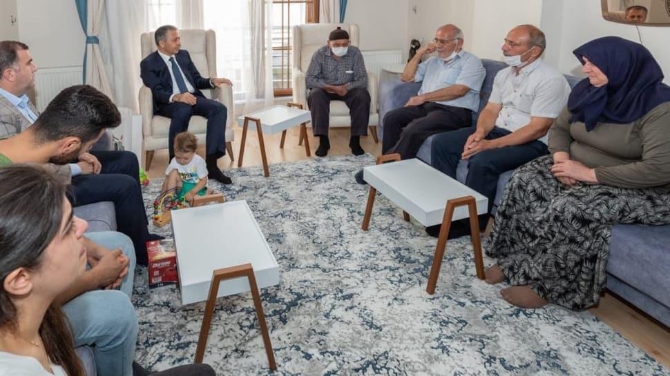 İstanbul Valisi Ali Yerlikaya, şehit polis Gökteke'nin ailesini ziyaret etti