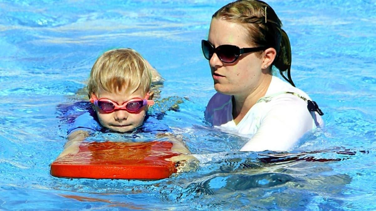Havuzlarda mantar ve enfeksiyona dikkat! Islak mayo tatilinizi zehir edebilir!