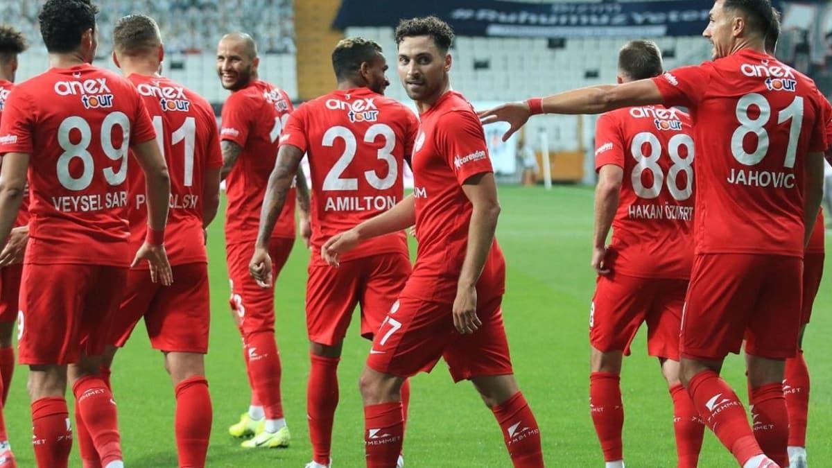 Antalyaspor, kötü başladığı sezonu rekorlarla tamamladı