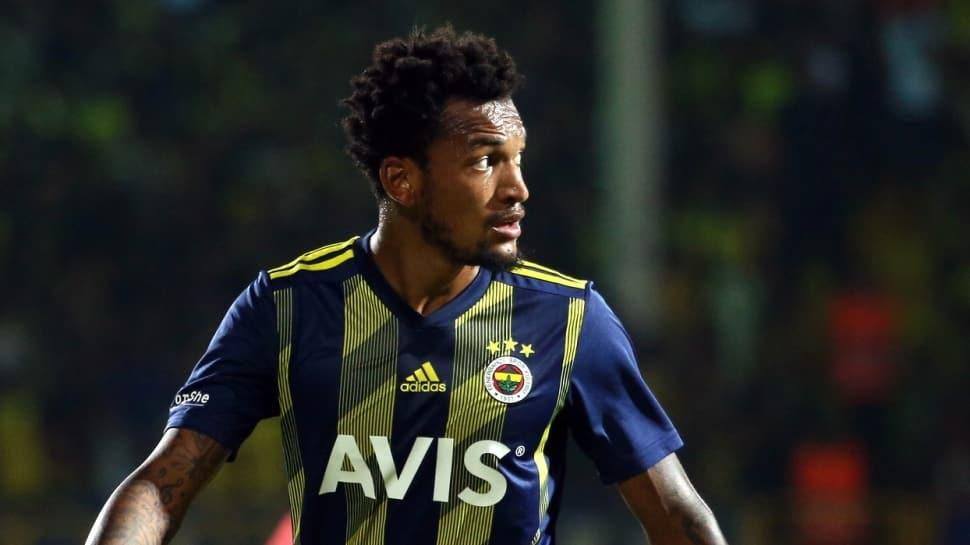 Fenerbahçe'de FFP ve harcama limiti sebebiyle 14 futbolcu topun ağzında