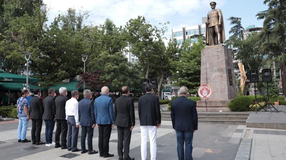 Trabzonspor 53. kuruluş yıl dönümünü 15 Temmuz Hürriyet ve Şehitler Parkı'nda kutladı
