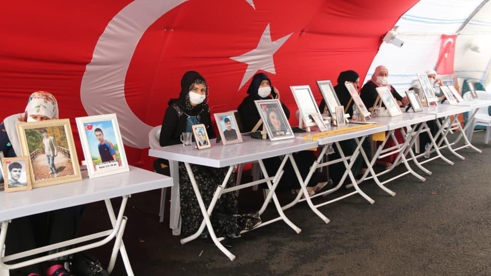 Diyarbakır anneleri evlat nöbetinde: Evladımız ne zaman gelirse o zaman bayram olur