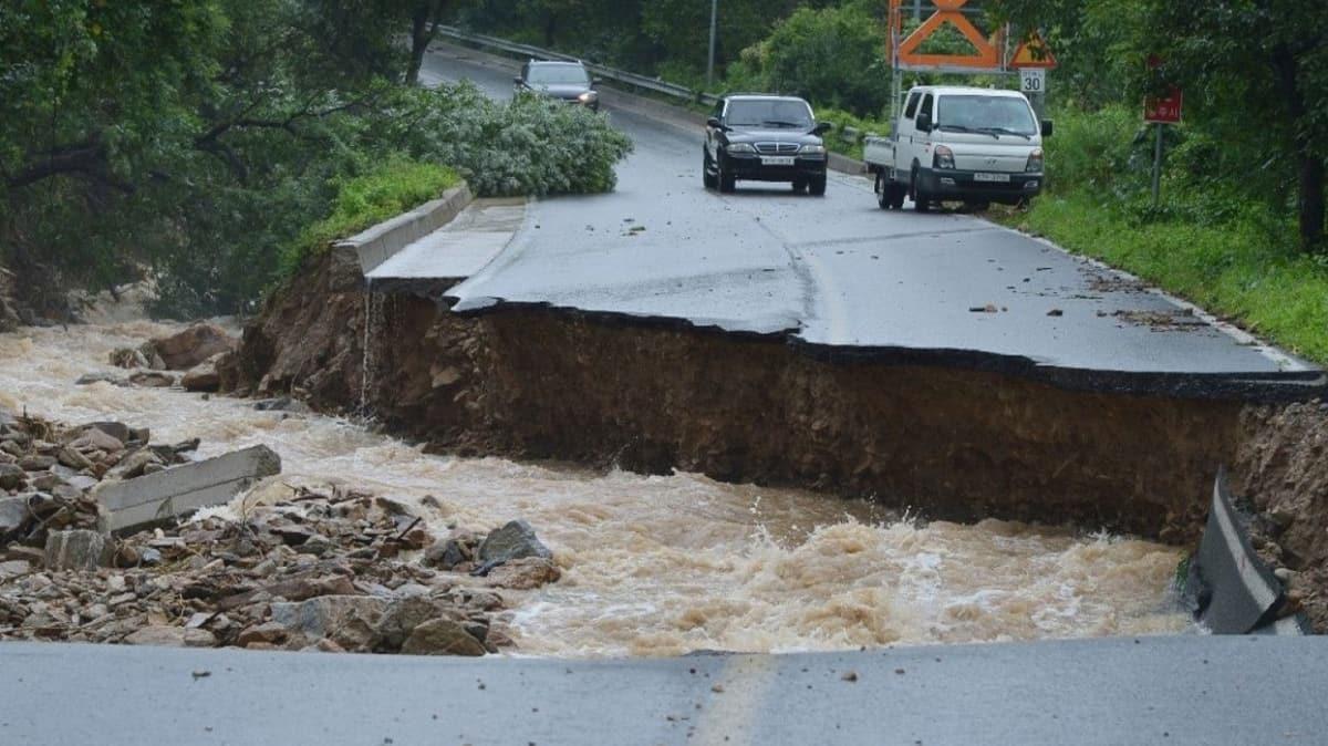 Şiddetli yağış Güney Kore'de 5 can aldı