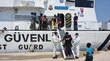 Datça açıklarında 37 kaçak göçmen yakalandı