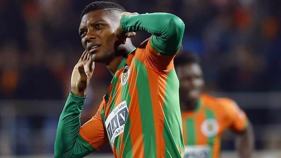 Beşiktaş'tan ezeli rakiplerine Junior Fernandes çalımı! İş imzaya kaldı