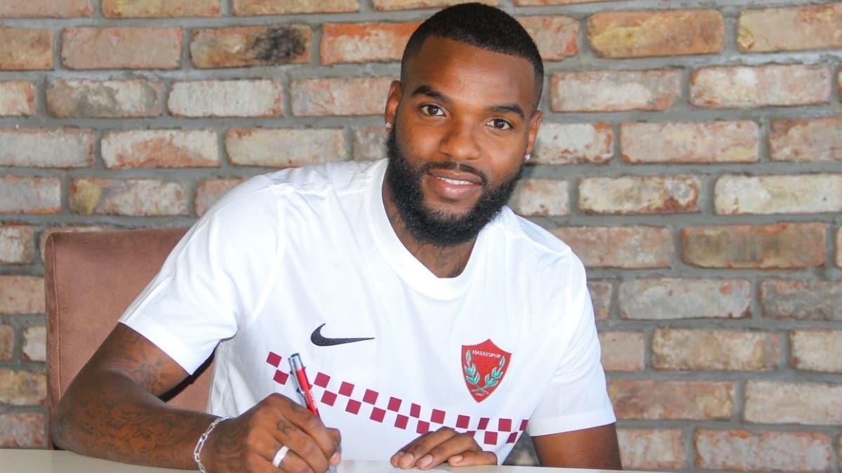Hatayspor, Gabonlu golcü Aaron Boupendza ile 2 yıllık sözleşme imzaladı