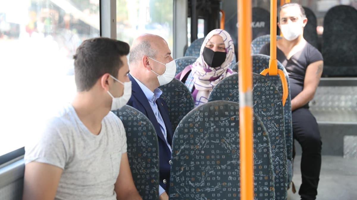 Bakan Soylu halk otobüsüne bindi, yolcuları uyardı: Eğer kurallara uymazsak sonuç iyi olmaz