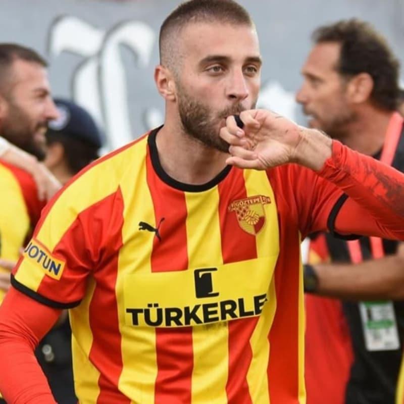 Fenerbahçe'de 5. imza Alpaslan Öztürk'e attırılacak