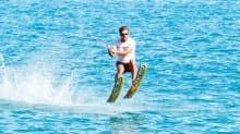 Van Gölü'nde su kayağı keyfi