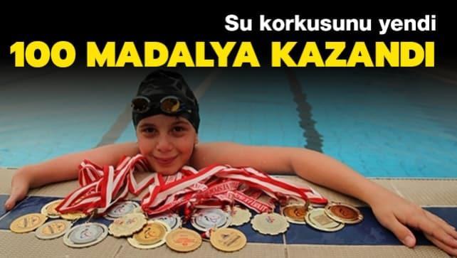 Su korkusunu yendi madalyalı yüzücü oldu