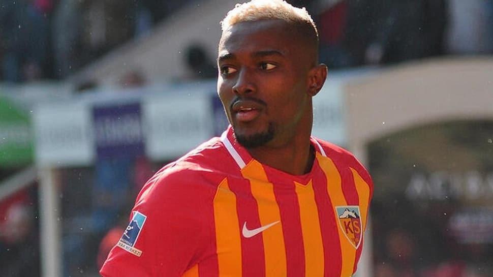 Galatasaray'dan Beşiktaş'a çalım! Bernard Mensah, Aslan oluyor!