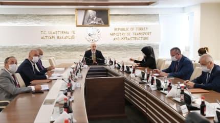 Bakan Karaismailoğlu, İranlı mevkidaşı ile görüştü