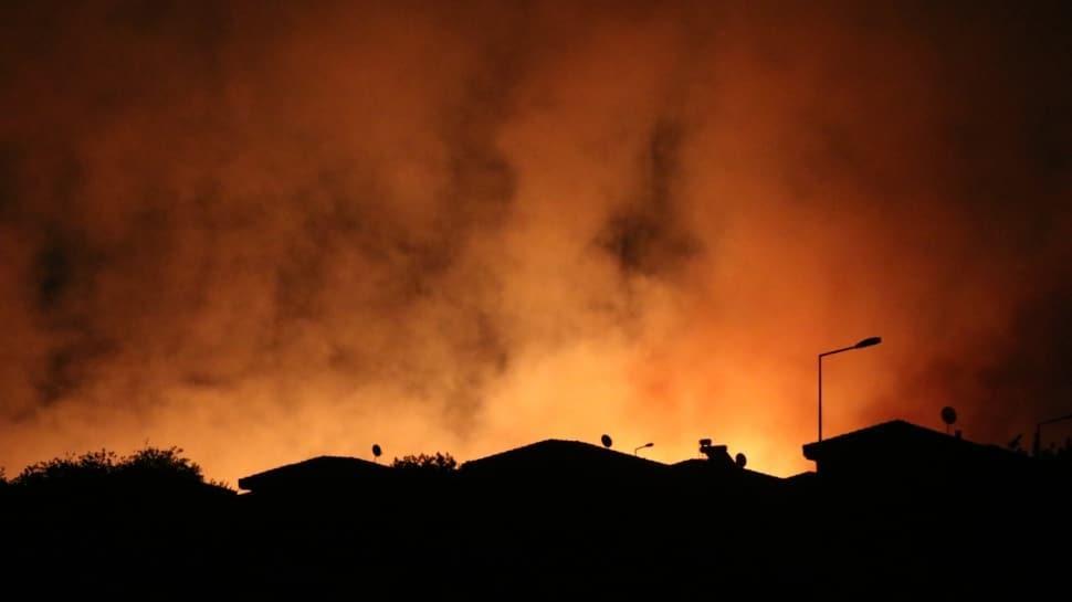 Çeşme'de otluk alanda yangın meydana geldi! Bakan Pakdemirli olay yerinde