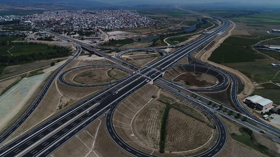 Altyapı yatırımları hız kesmeden devam ediyor... Türkiye'nin bölünmüş yol ağı 27 bin kilometreyi aştı
