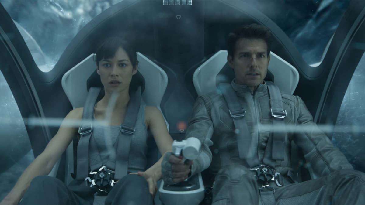 """Oblivion oyuncuları kimler"""" Oblivion filmi konusu nedir"""""""